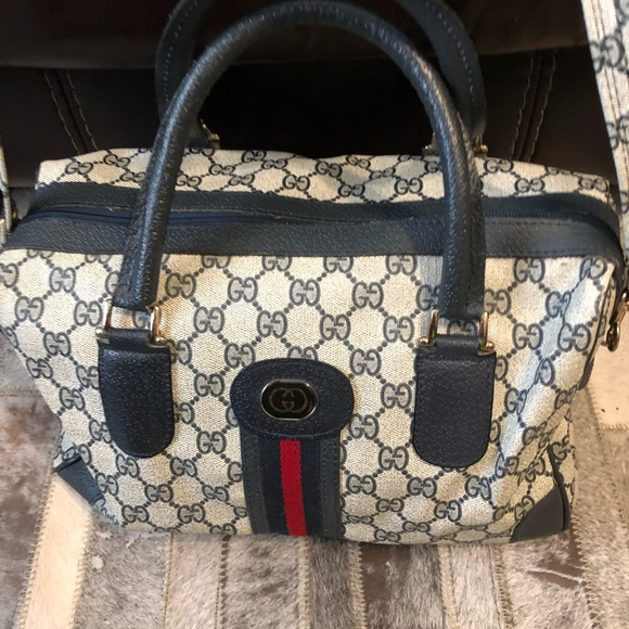 Gucci Handbags - Large authentic vintage Gucci bag coin tote